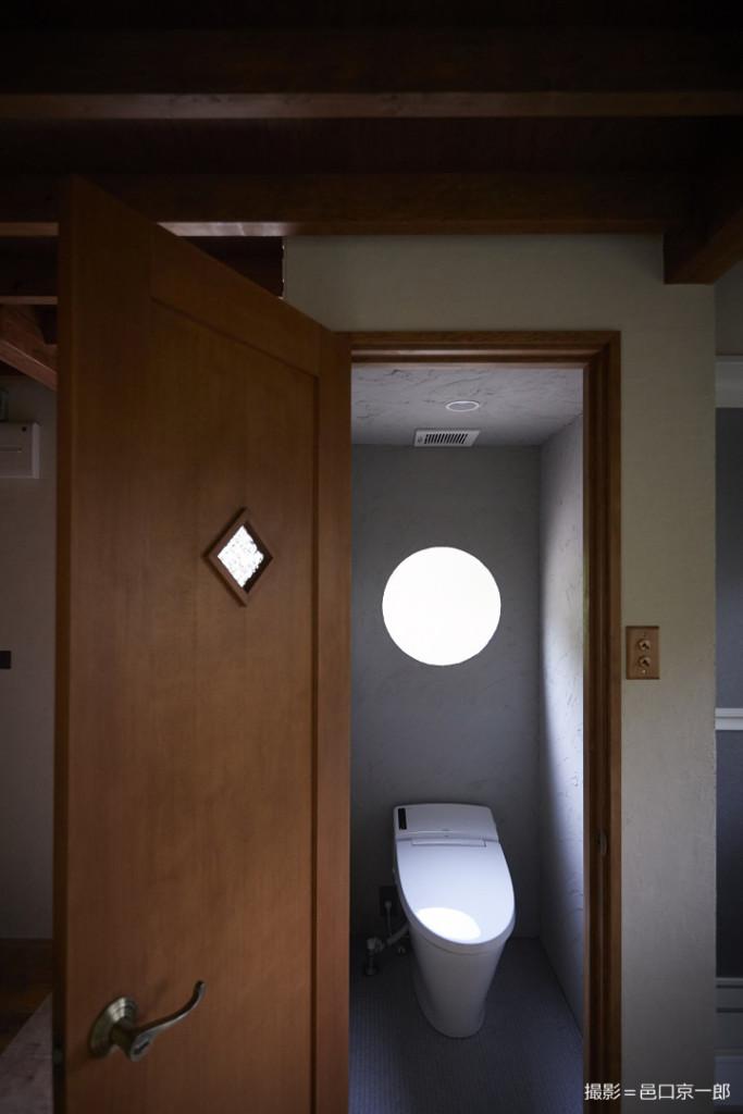 山小屋のトイレ