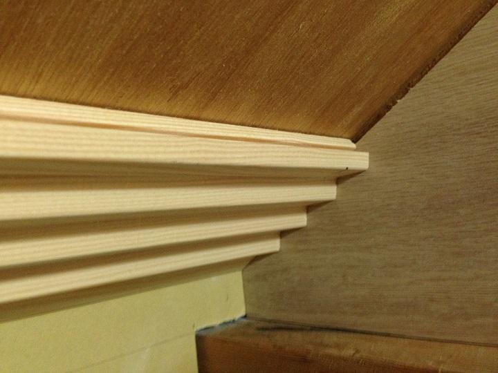 天井用の木材を仮置き