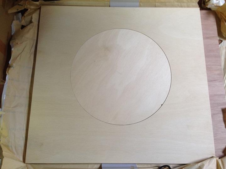 円形カットされた木材