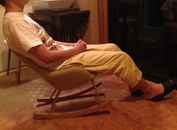 アサクラ(身長167cm)が座ったところ