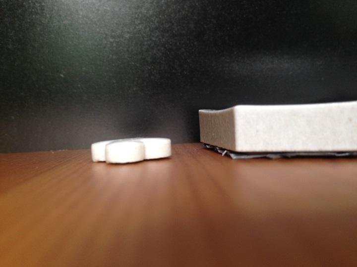厚いタイルと薄いタイルの比較