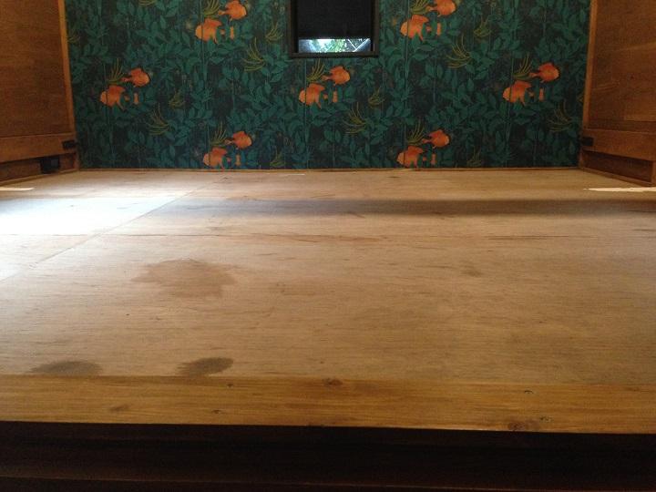 「ココフロア」施工前の床