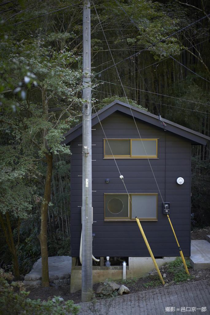 斜面に建つ山小屋