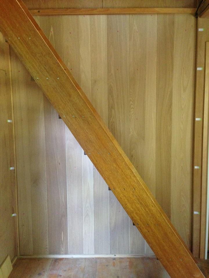 オスモカラー塗装前のウッドウォールパネル