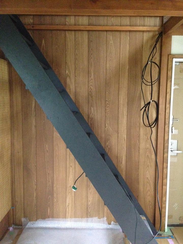 オスモカラー塗装後のウッドウォールパネル