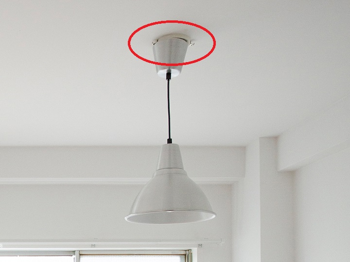 照明と天井の間のスキマ