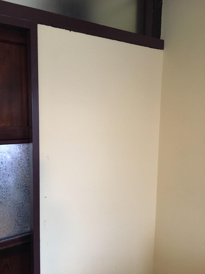 スライスウッド貼り付け前の壁