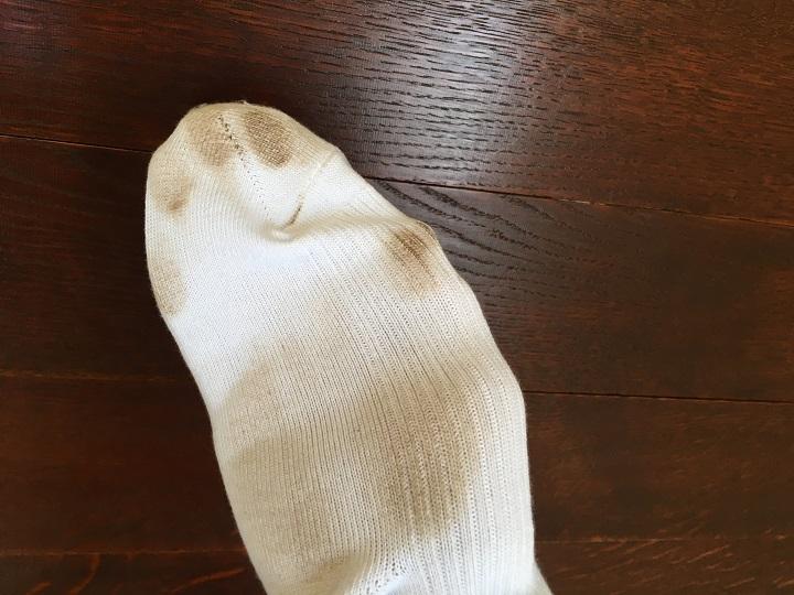 靴下についた汚れ