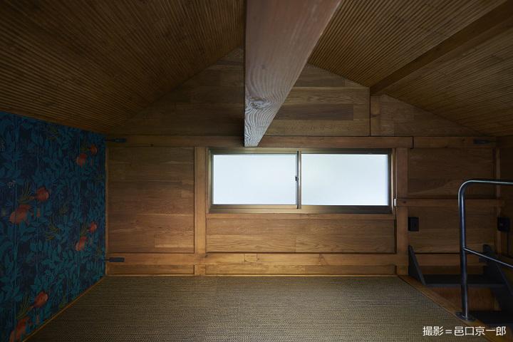 二階の既存の窓
