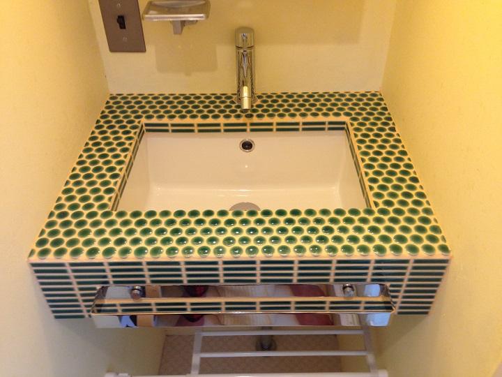 洗面のモザイクタイル