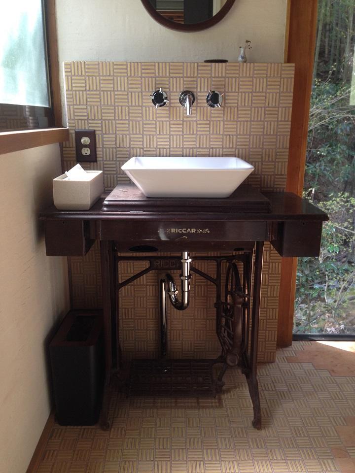 ゴミ箱設置後の洗面スペース