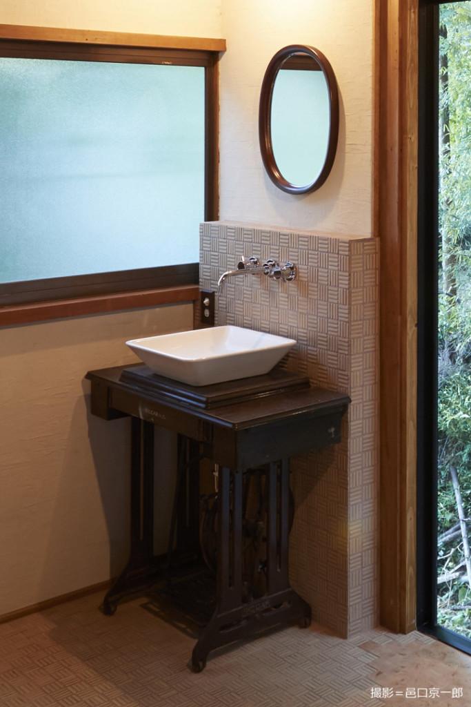 洗面のミシン台