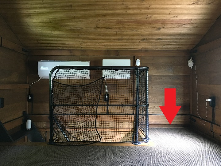 二階の部屋の隅