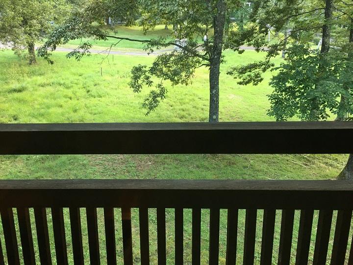 貸別荘の窓からの眺め