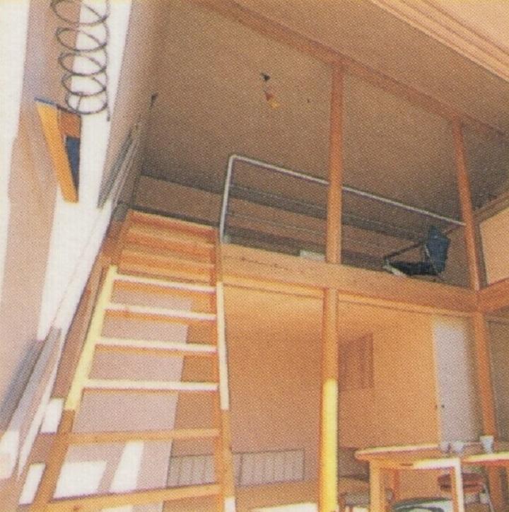 9坪ハウスの丸柱