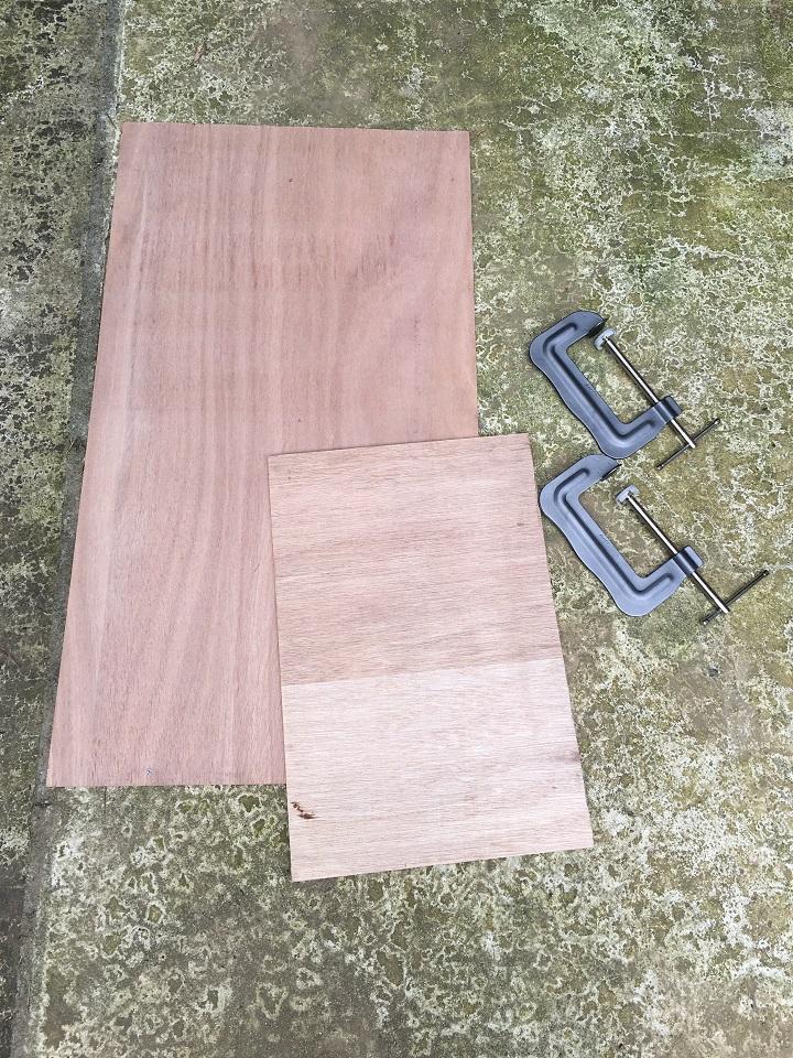 合板とクランプ