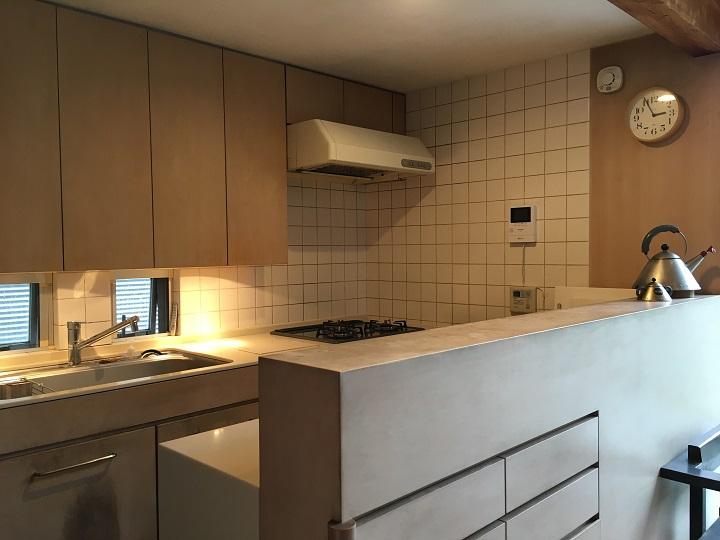 「9坪の宿 スミレアオイハウス」のキッチン