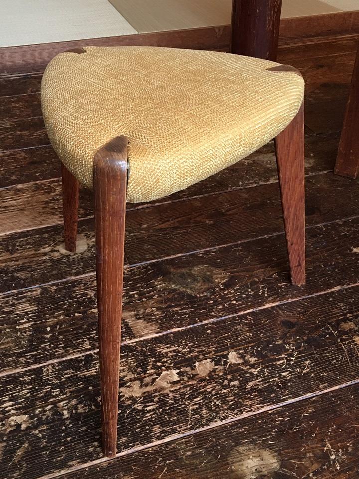 生地を張り替えた椅子