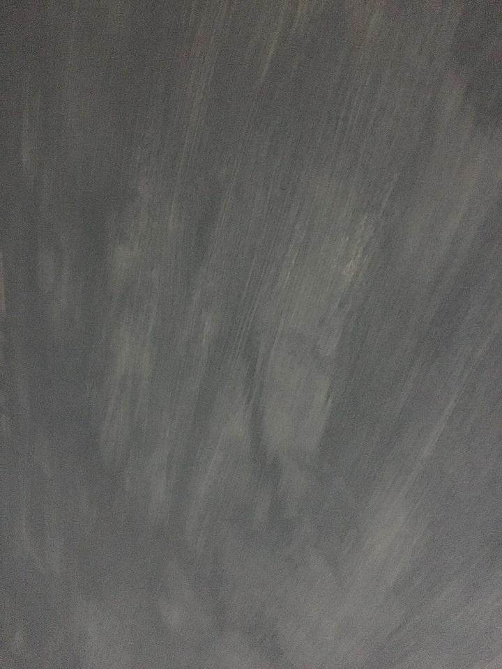 下地が透ける塗装面