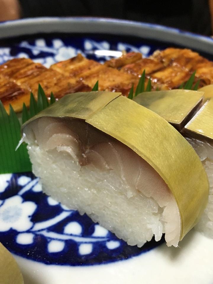 「末廣」の鯖寿司と穴子寿司