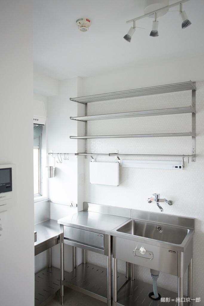 世田谷のマンションに設置した業務用キッチン
