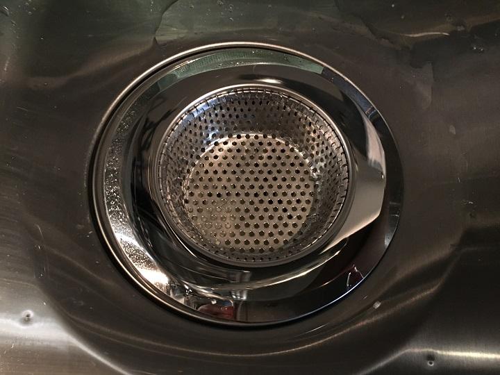 ステンレス製のゴミキャッチ皿を設置
