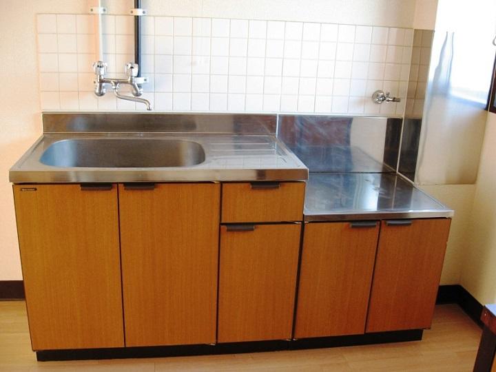 マンションの古いキッチン