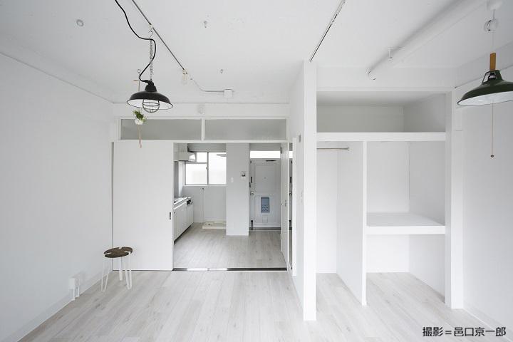 白を基調にした室内