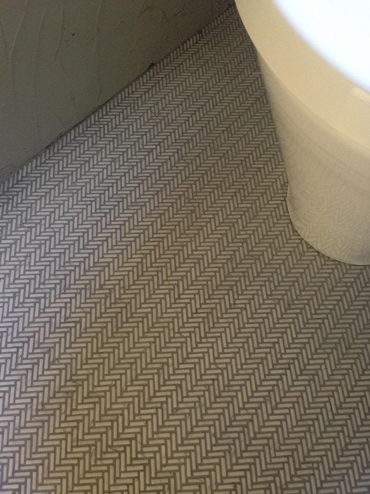 「クローシェマーブル」を張ったトイレ床