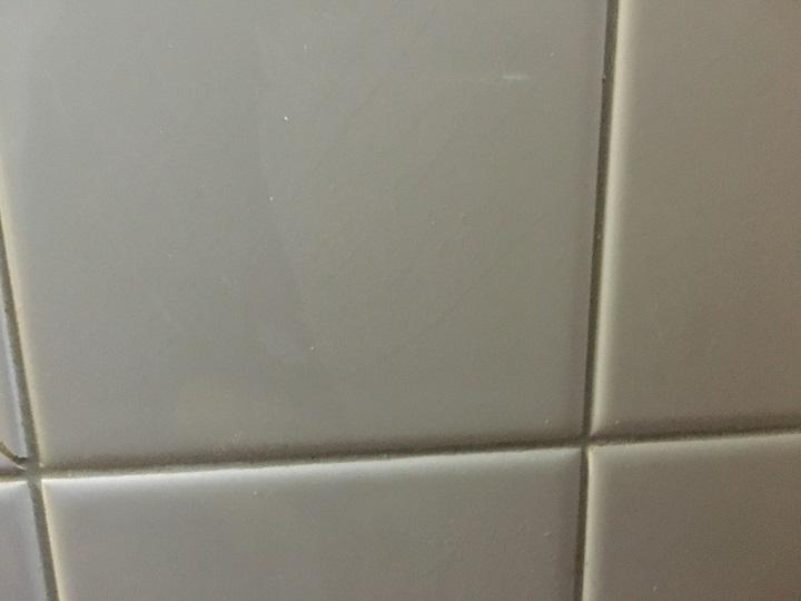 メラミンスポンジ掃除後のタイル