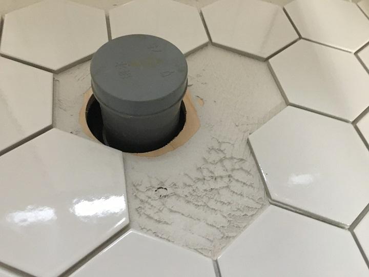 床配管のまわり
