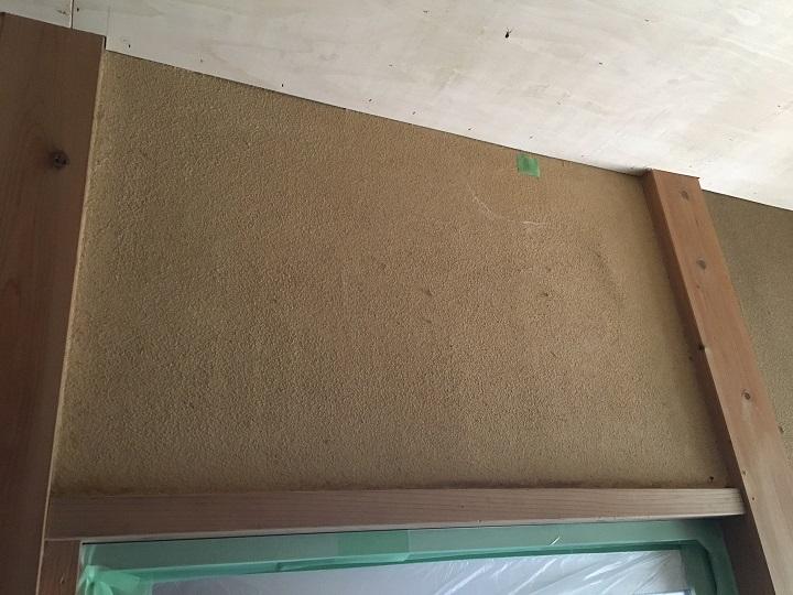 塗装前の砂壁