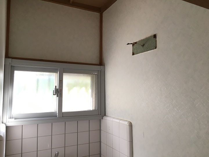 トイレ内の壁紙