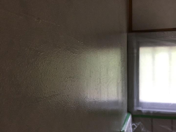 シーラー塗装後のビニール壁紙