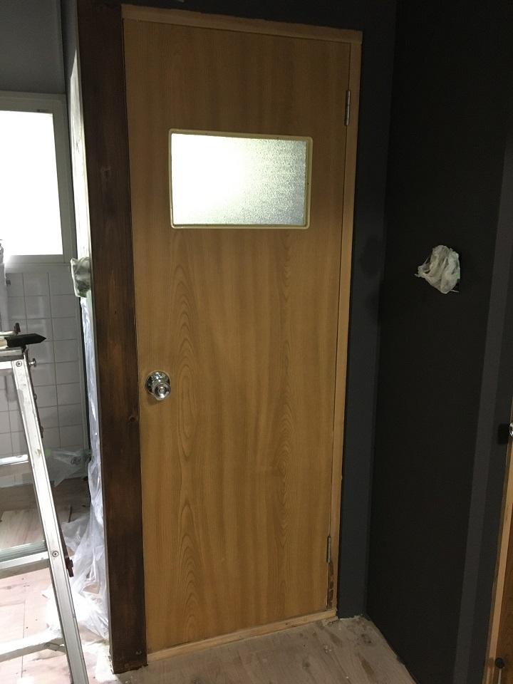 ステイン塗装前のドア