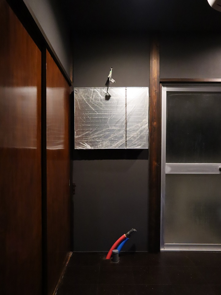 洗面設置前の壁